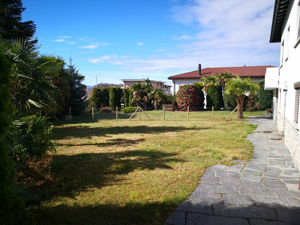Affitasi casa unifamiliare a Comano