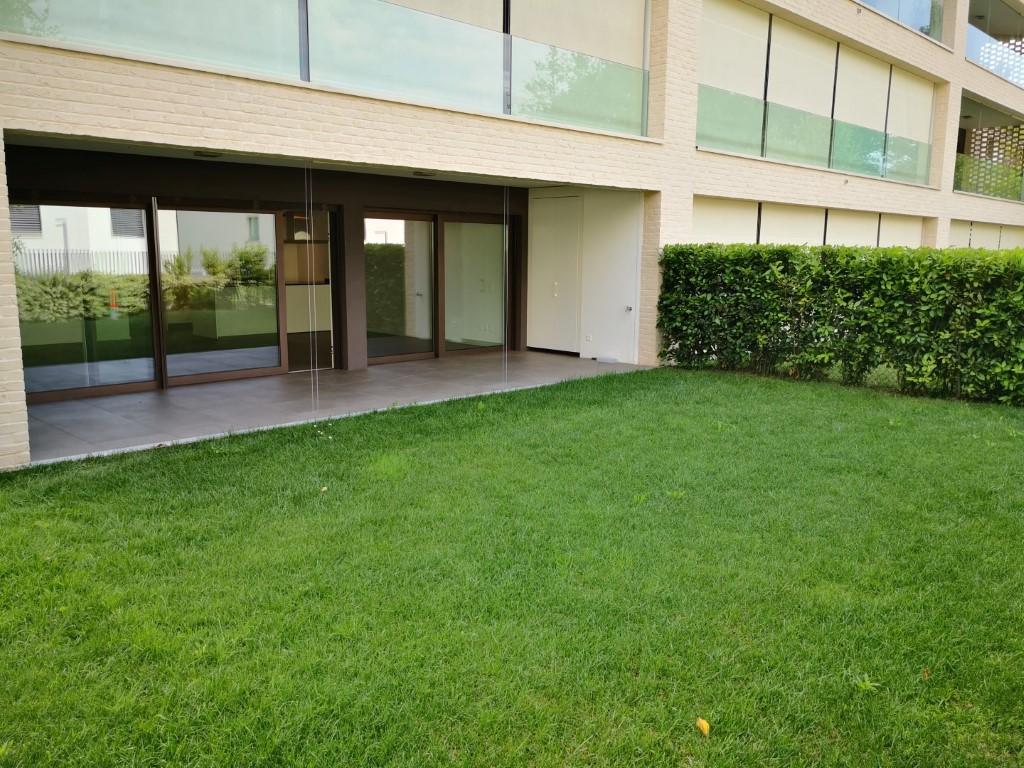 Affittasi stupendo appartamento 4 1/2 locali con giardinetto privato a Cureglia