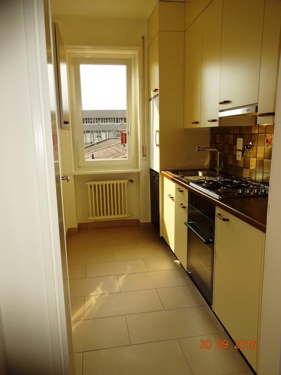 Affittasi a Lugano grande appartamento ultimo piano con camino
