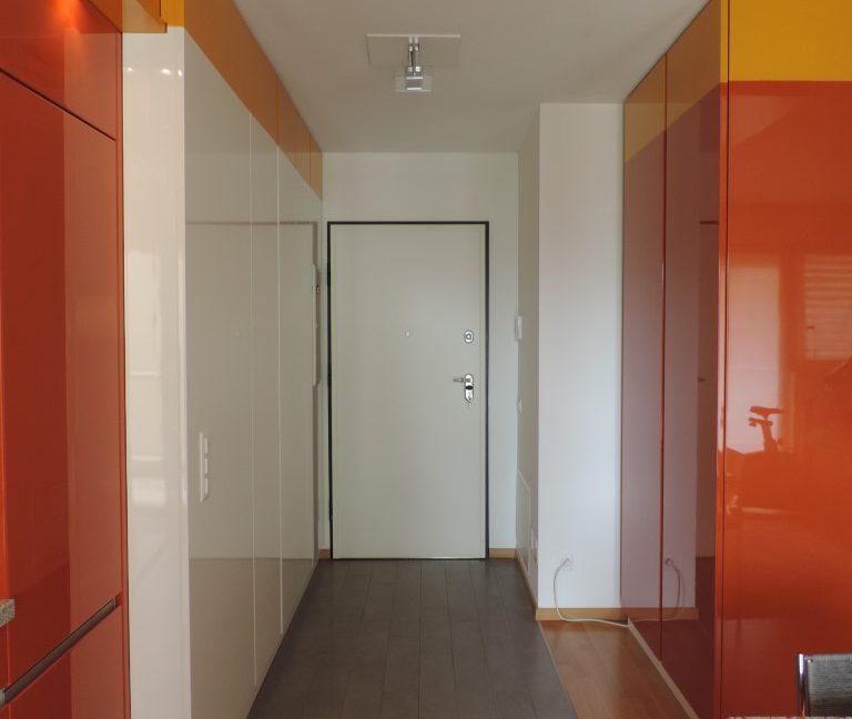Entrata con armadi a muro (3)_edited