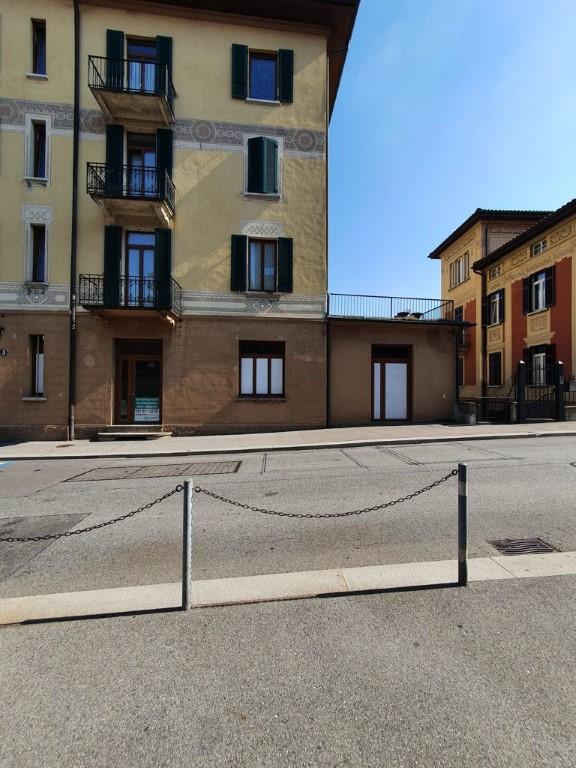 Affittasi a Lugano spazi commerciali con vetrina